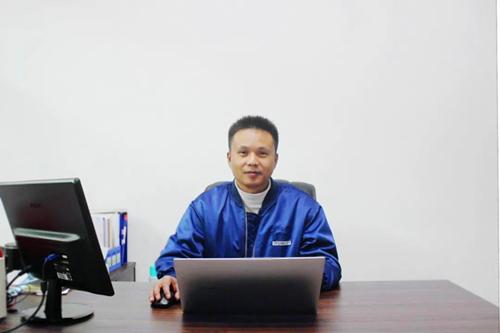 技术中心总经理:肖峰