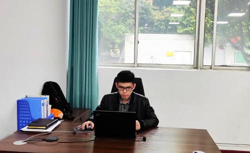 技术服务部经理 李小林